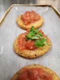 Bruschette di polenta croccante al pomodoro