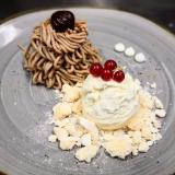 Vermicelles con meringhe e gelato alla vaniglia